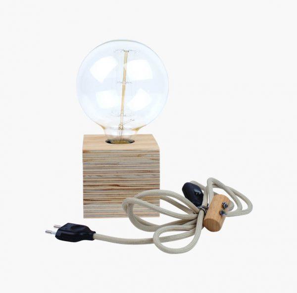 Lamp-met-houten-voet-02