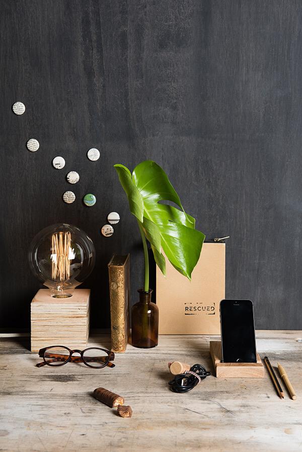 Lamp-met-houten-voet- 01